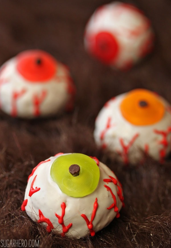 Doughnut Hole Monster Eyeballs | SugarHero.com