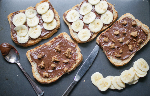 Nutella banana stuffed French toast – SugarLoveSpices