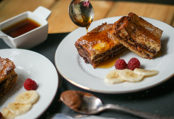 Nutella Banana stuffed French Toast - SugarLoveSpices