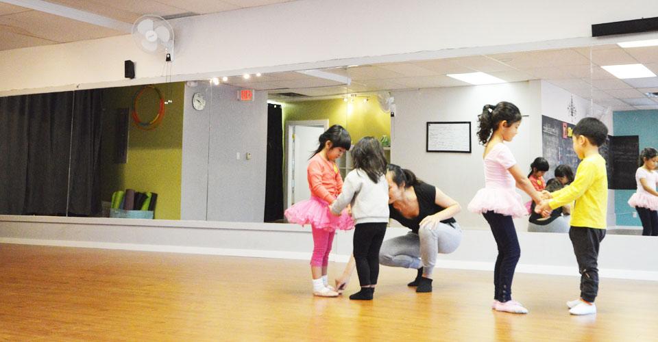 children-dance-open-house