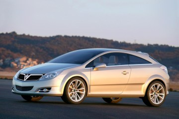 2003_Vauxhall_GTCGenve1
