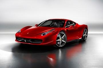 2010_Ferrari_458Italia-0-1536