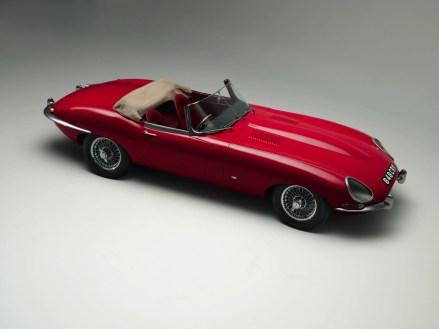 1961_Jaguar_EType38Roadster-4-1024