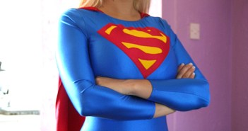 supergirl-arms-folded-across-chest