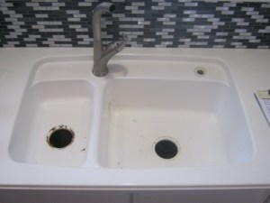 corian, stainless steel, sink replacement, sink upgrade, home remodel, kitchen, glacier white, stainless steel, corian replacement, sink, sink stain, outdated sink, old sink