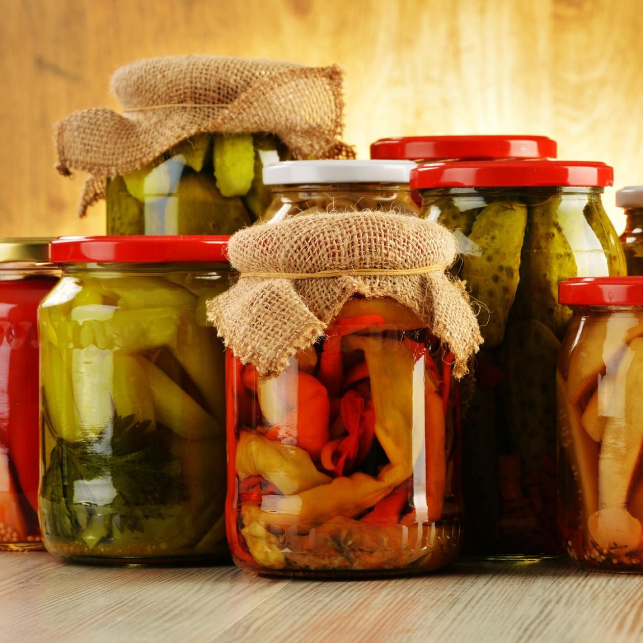 cropped-fermented-food-jars.jpg