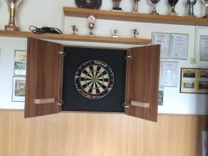 neue Dartsscheibe im Sportlerheim