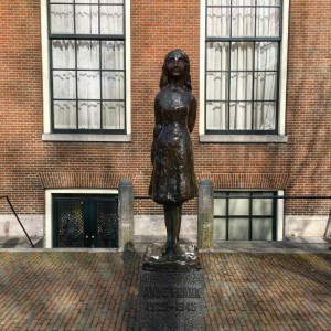 Anne Frank statue.