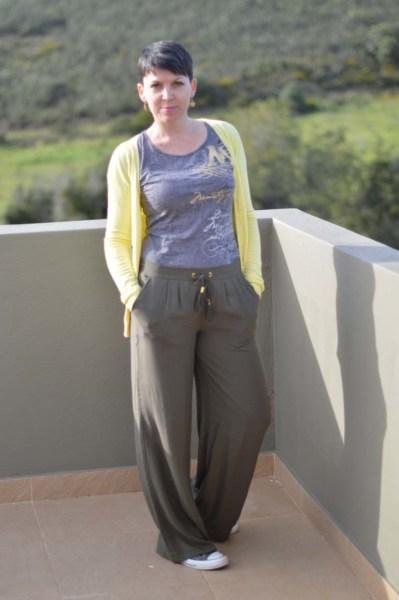 Khaki wide legged pants15