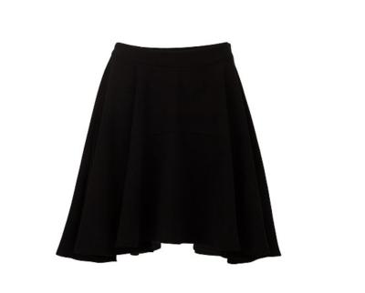 Assymetrical black skirt
