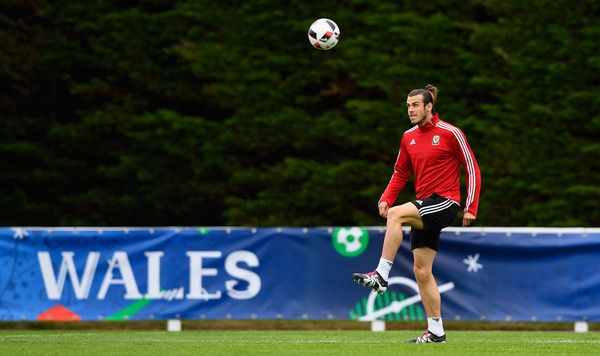 Gareth+Bale+Wales+Training+Session+Press+Conference+2ploFJvZuVVl