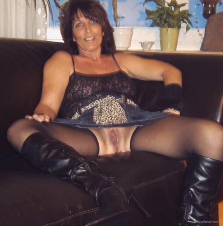 mature crotchless pantyhose milfs anal
