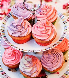 Girly Pastel Tri-Coloured Swirl Vanilla Cupcakes