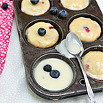 Guest Post} Berry Cheese Muffins with Lemon Glaze