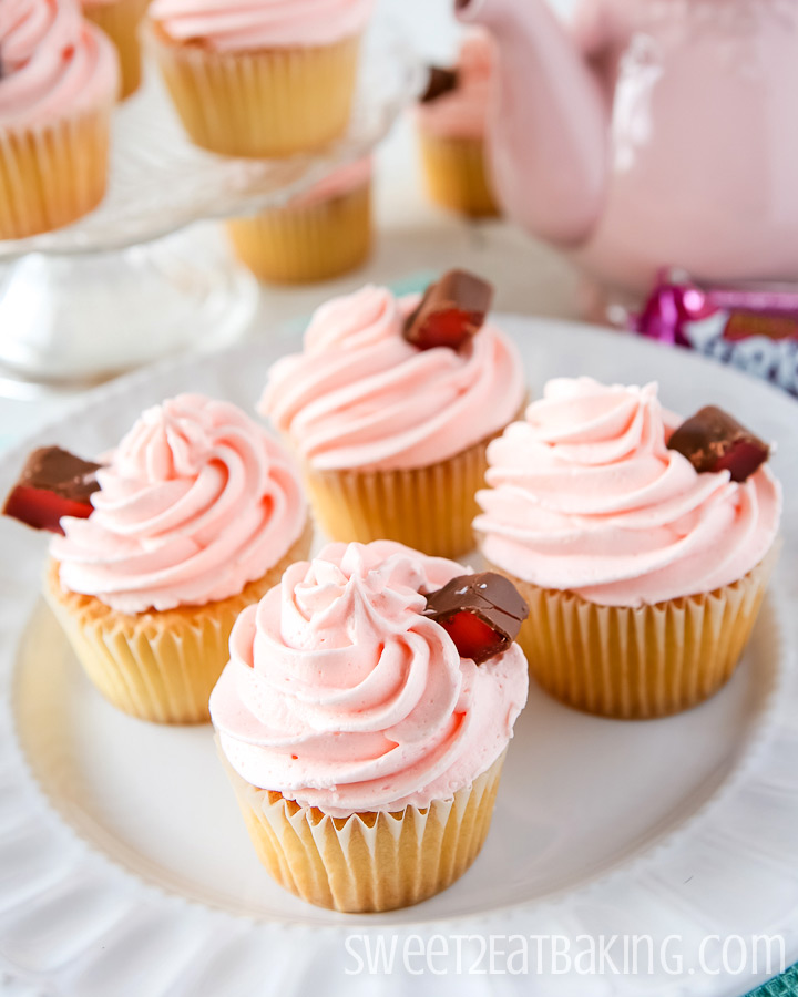 Turkish Delight Cupcakes by Sweet2EatBaking.com #cupcakes #reciping #baking
