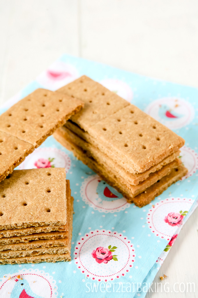Graham Crackers Recipe by Sweet2EatBaking.com