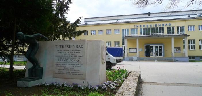 Theresienbad Wien. Image courtesy of Thomas Ledl / Wikimedia Commons