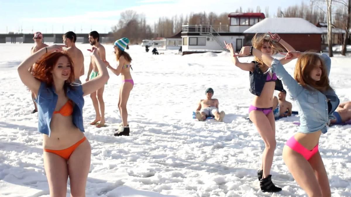Winter Swimming & Dancing in Lipetsk, Russia