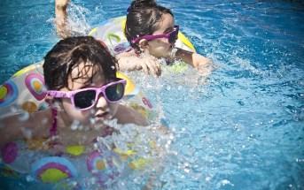 e837b90b2cf5083ecd0b470de7444e90fe76e6d31ab4144090f2c4_640_kids-swimming