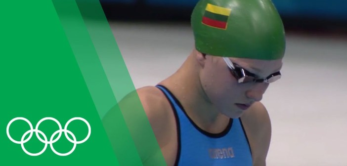 Rūta Meilutytė [LTU] relives her Breaststroke gold at London 2012