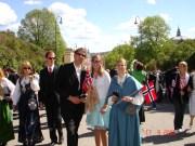 Første møte med Ingunn, her på Karl Johann etter 17. mai frokost hos Henriette.