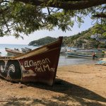 Ymse dekorasjon av lokale fiskebåter i Tanganga