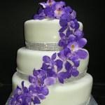 Purple_Floral_Trai_Wedding_Cake_Sydneys_Sweetsn