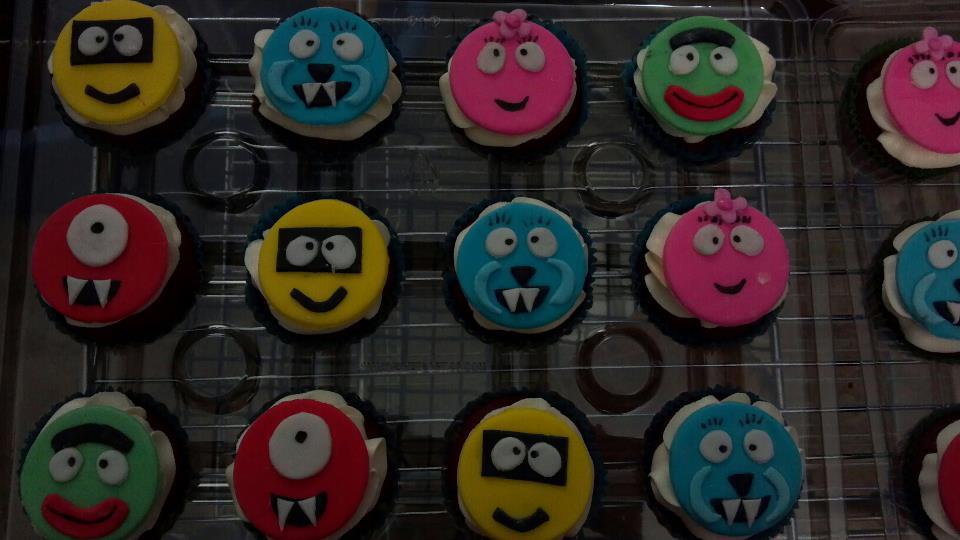 Yo gabba gabba kids themed custom cupcakes sydneys sweets for Decor yo pops