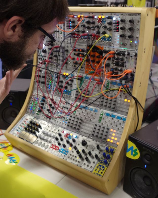 eurorack-modular-synthesizers