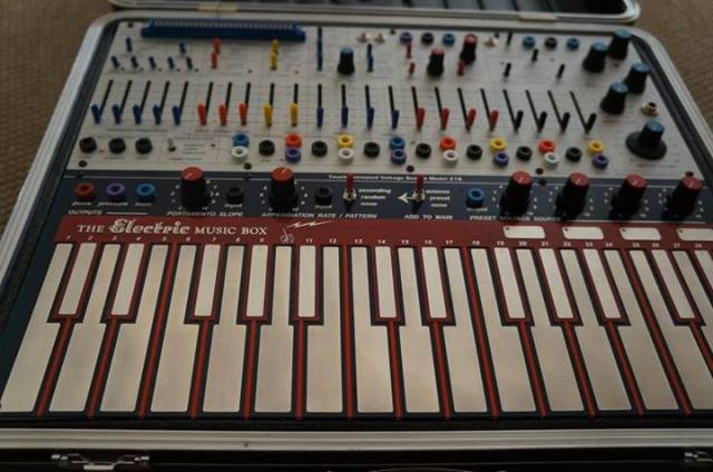 buchla-electric-music-box-close-up