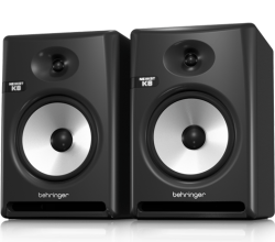 beheringer-nekkst-K8-monitors