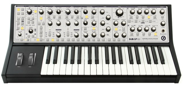 moog_sub_37-analog-synthesizer