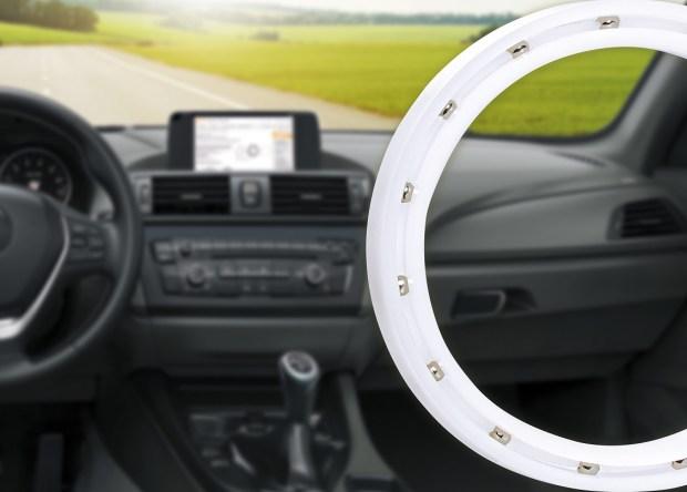 Bezsmarowe i bezobsługowe łożyska obrotowe xiros o małej grubości są stosowane w ograniczonej przestrzeni montażowej, na przykład w obrotowych elementach obsługowych w pojazdach. (Źródło: igus GmbH)