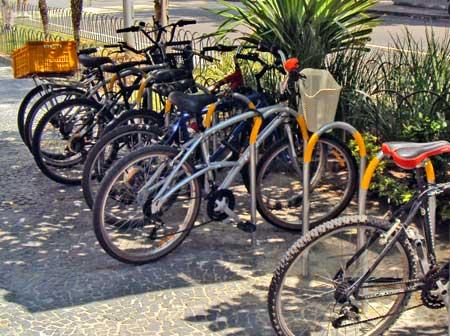 Bicicletário no Cidade Leblon
