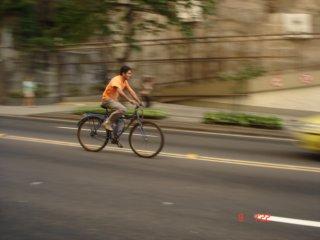 Ciclista no Cantagalo