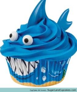 shark cupcake 1