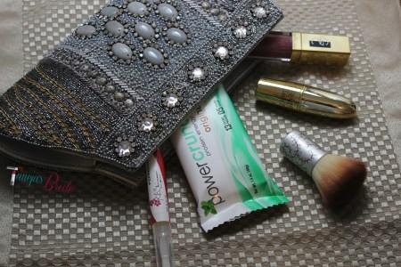 HandbagwithEssentials1