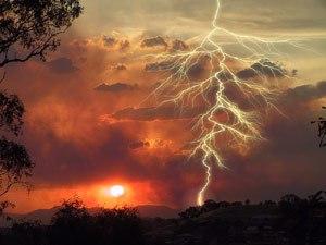 Dry lightning starting a bushfire