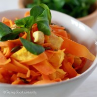 Tasting Good Naturally : Carrot with orange, cashew nuts and pumpkin seeds #vegan