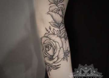 dotwork - botanical - flower - sketch - tattoo - illustrated - rose