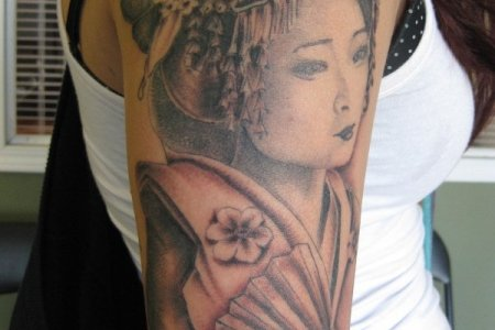 geisha tattoo on shoulder tb148