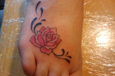 rose tattoos on foot
