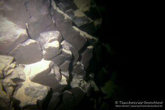 Steinbruchwand, Tauchen im Steinbruch Wetro, Tauchen in Sachsen