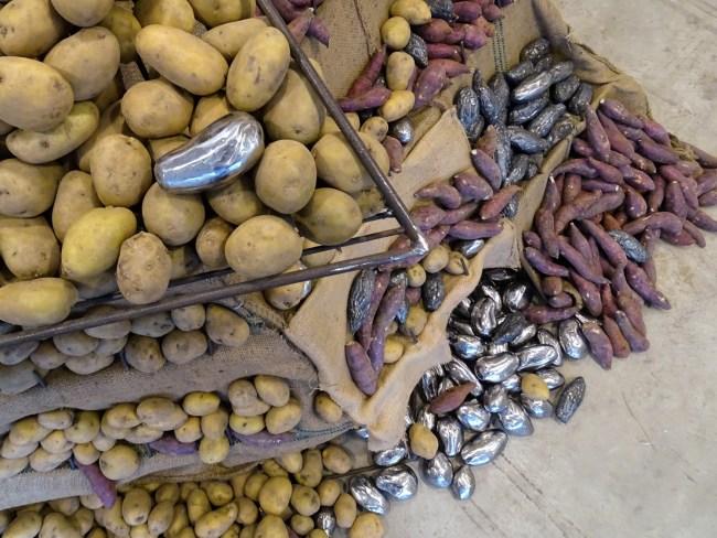 tay-ining-naked-potato