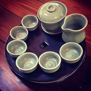 Celadon gaiwan set and satin black cha pan by Mary Cotterman