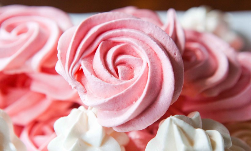 meringue roses for mothers day-4471