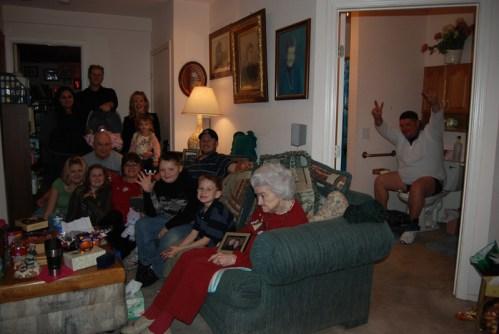 funny family photos, family portraits bad family photos, strange, weird, awkward family, stupidity, horrible family, wtf