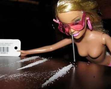 Barbie Doing Coke lines Funny pictures, funny people, awkward family photos, stupid people worst bad tattoos, crazy horrible weird strange wtf photobombs fail