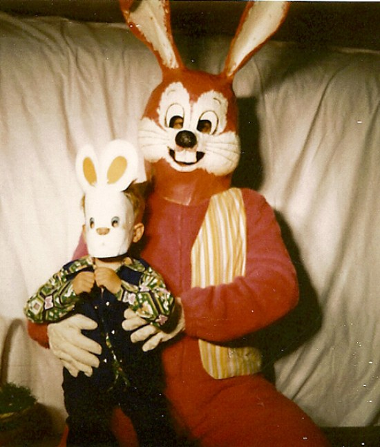 Scary Easter Bunny Pictures, Creepy Easter Bunny, Easter Bunnies, Funny Easter Bunny Pictures, Scary Easter Bunny Photos, Happy Easter, Bad Easter Bunny Pictures, Worst Easter Bunny PPictures, Funny Pictures, Demented Easter, Easter Fails, Awful Easter Pictures, Awkward Family Photos, Bad Family Photos, Worst Tattoos, Bad Tattoos, Funny Family, Kids with Easter Bunny, Scared Kids