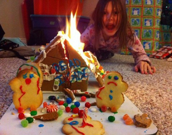Ginger Bread House Fire ~ 25 Funny, Creepy Family Christmas Photos